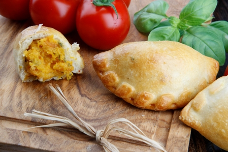 CMIS01-Calzone-Roasted-Pumpkin-sun-dried-tomatoes-and-olive