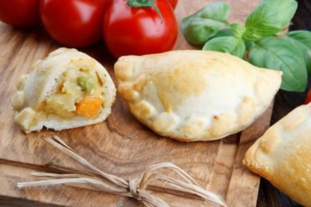 CMIS15-Calzone-Creamy-Vegetables
