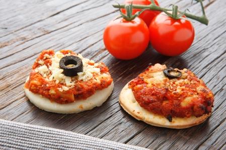 CMP61 Pizza sundried tomato & olive