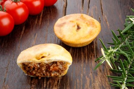 CPC553 Rustic pies 55 1 Aussie beef pie