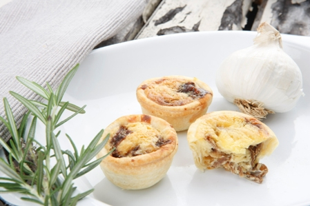 CQC5009 Quiches Mini 1 Caramesised onion & goat cheese