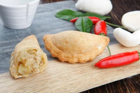 CSA305-Curry-Puffs-Thai-Chicken