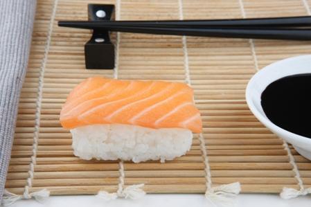 CSHI035 Nigiri Salmon