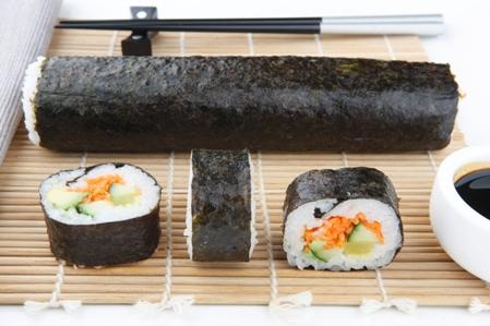 CSHI042 Sushi vegetable whole