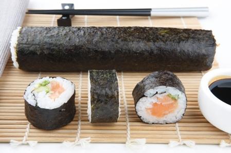 CSHI063 Sushi salmon whole