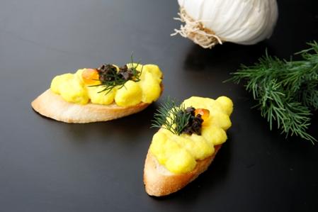 CSSB254 Baguettine Saffron mayo and fish