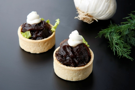 CTAR251 Tartlet caramelized onion and goat cheese